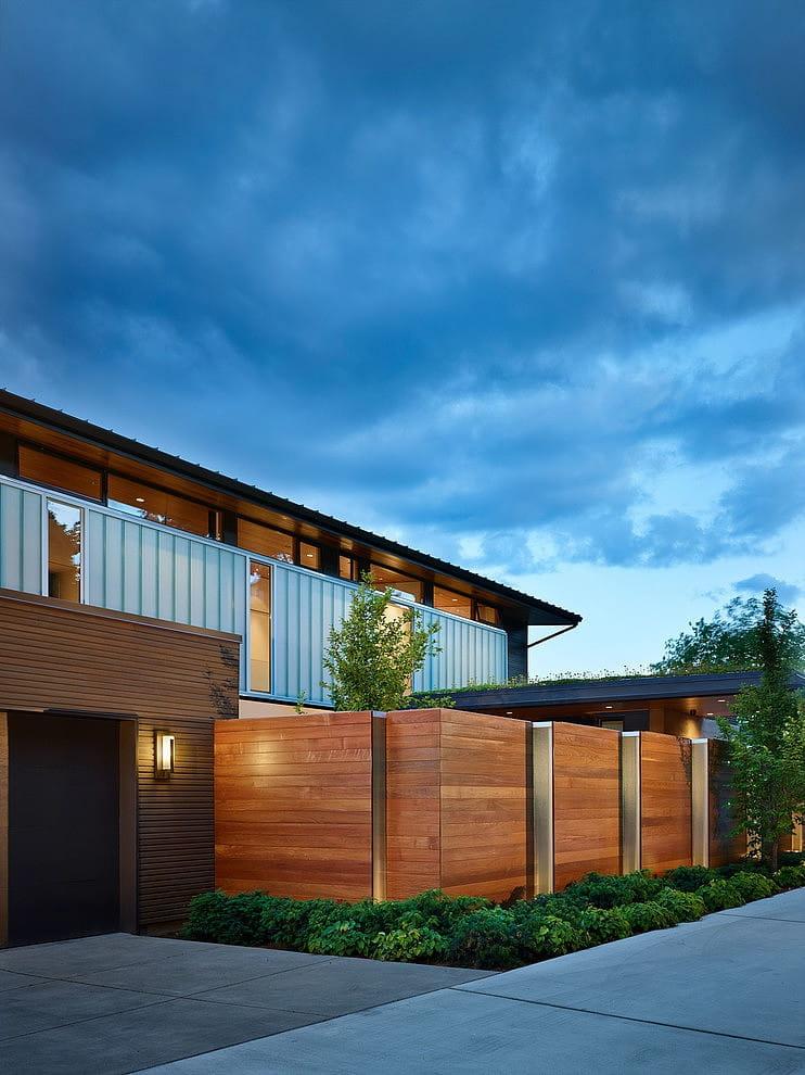 gỗ ốp tường trang trí ngoài trời
