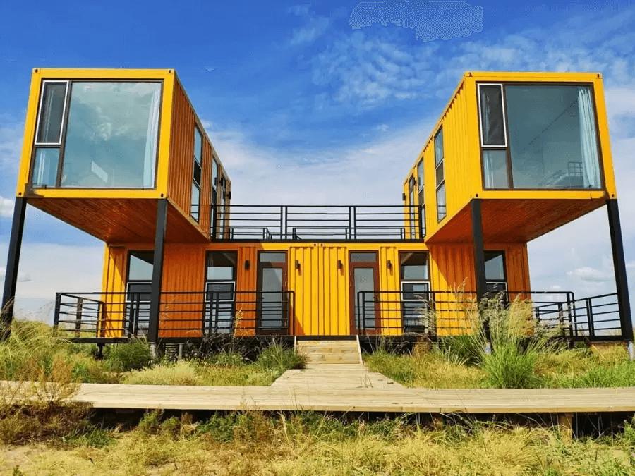 Nhà container đẹp 2 tầng màu vàng sang trọng